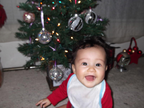 "<div class=""meta ""><span class=""caption-text "">Happy Holidays from the Mays family in Riverside! Caden Mays, 6 months, celebrates his first Christmas.  (ABC7 Photo/ Phyllis Mays)</span></div>"