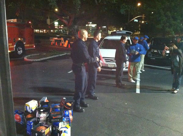 "<div class=""meta ""><span class=""caption-text "">SoCal Honda donates sporting goods to help Garth the Elf 'Stuff-A-Bus' at Los Cerritos Center  on Friday, Nov. 18, 2011. (KABC Photo)</span></div>"