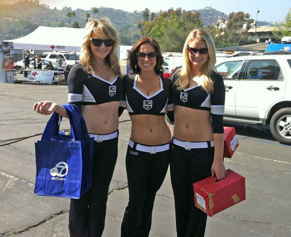 The L.A. Kings Ice Crew at ABC7&#39;s Sandy Relief drive at the Rose Bowl in Pasadena on Friday, Nov. 2, 2012. <span class=meta>(KABC)</span>