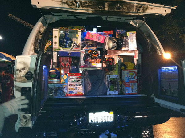 Thank you Raider Nation for the large toy donation at the Stuff-A-Bus event at Mathis Brothers Furniture in Ontario on Friday, Nov. 30, 2012. <span class=meta>(KABC)</span>