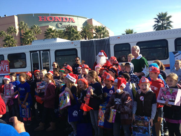 The holiday season was nothing but joyful at the Stuff-A-Bus toy drive at the Honda Center in Anaheim on Friday, Dec. 21, 2012. <span class=meta>(KABC Photo)</span>