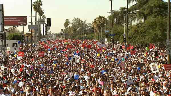 Participants gather at the opening ceremony of the 20th annual Entertainment Industry Foundation Revlon Run&#47;Walk for Women in Exposition Park on Saturday, May 11, 2013.  <span class=meta>(KABC Photo)</span>