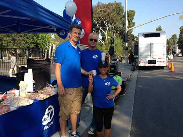 ABC7&#39;s Alysha Del Valle, Weathercaster Garth Kemp, and Eyewitness News anchor Phillip Palmer pose for a photo at the Entertainment Industry Foundation Revlon Run&#47;Walk for Women in Exposition Park on Saturday, May 11, 2013. <span class=meta>(KABC Photo)</span>