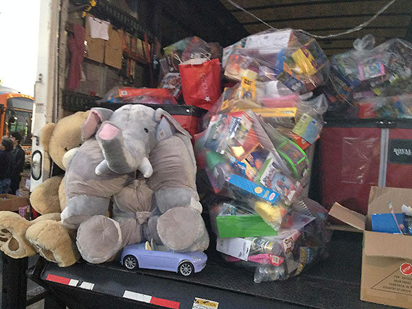 Thanks JP Morgan Chase for the truck load of toys donated at our Stuff-A-Bus event at Westfield Topanga mall in Canoga Park on Friday, Dec. 13, 2013. <span class=meta>(KABC Photo)</span>