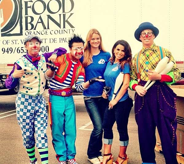 "<div class=""meta ""><span class=""caption-text "">Clowns from the Ringling Bros. and Barnum & Bailey Circus came out to support the Feed SoCal event in Costa Mesa on Friday, July 26, 2013. (KABC Photo)</span></div>"