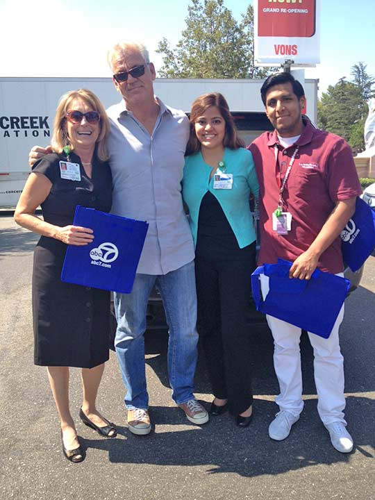 ABC7 Weathercaster Garth Kemp poses with representatives from Los Robles Hospital and Medical Center at the Feed SoCal event in Thousand Oaks on Friday, July 19, 2013. <span class=meta>(KABC Photo)</span>