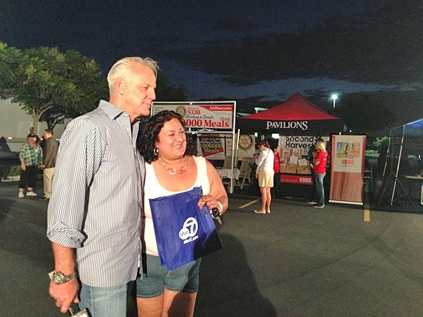 "<div class=""meta ""><span class=""caption-text "">ABC7 Weathercaster Garth Kemp poses with a donor from Riverside at the Feed SoCal event in Ontario on Friday, July 26, 2013. (KABC Photo)</span></div>"