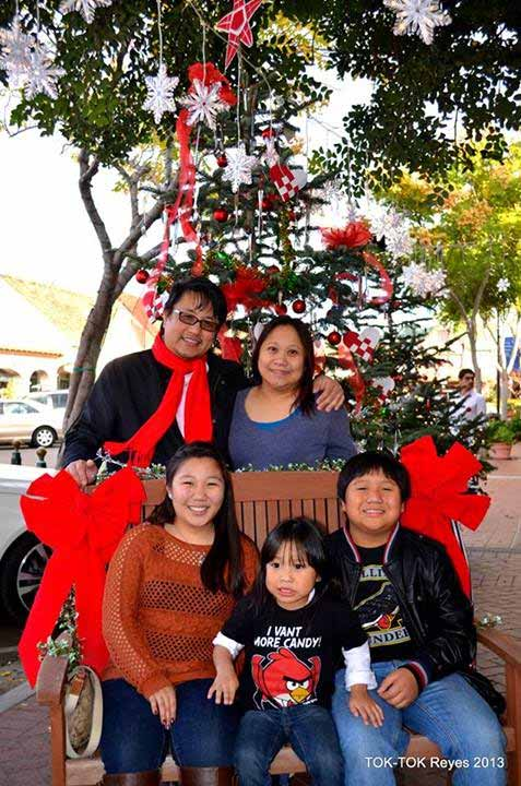 "<div class=""meta image-caption""><div class=""origin-logo origin-image ""><span></span></div><span class=""caption-text"">ABC7 viewer Rodolfo Reyes shared this family snapshot. Use #ABC7HomeForTheHolidays on Facebook, Twitter and Instagram to share your holiday photos with ABC7. We'll feature some of the best on our newscasts and here on abc7.com! (ABC7 viewer Rodolfo Reyes)</span></div>"