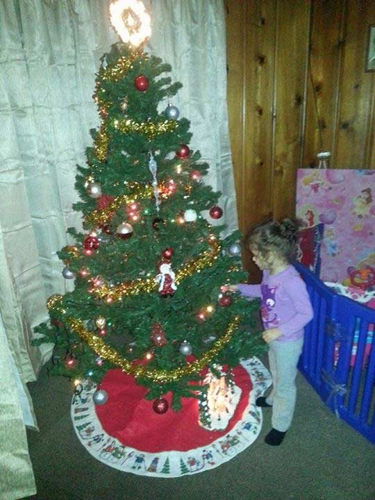 "<div class=""meta image-caption""><div class=""origin-logo origin-image ""><span></span></div><span class=""caption-text"">ABC7 viewer Jessica Berrios shared this snapshot.Use #ABC7HomeForTheHolidays on Facebook, Twitter and Instagram to share your holiday photos with ABC7. We'll feature some of the best on our newscasts and here on abc7.com! (ABC7 viewer Jessica Berrios)</span></div>"