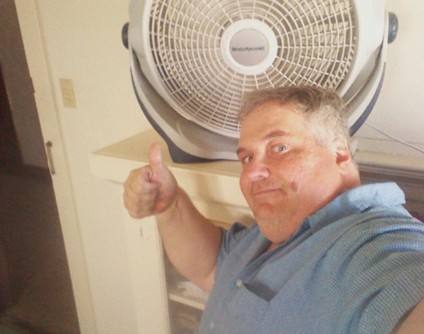 ABC7 viewer Kevin, of San Pedro, stays close to a fan to stay cool during the extreme SoCal heat on Monday, Sept. 27, 2010. &#160;Submit your &#39;hot shots&#39; to  Eyewitness News, or send them to video@myabc7.com. <span class=meta>(ABC7 viewer Kevin of San Pedro, Calif.)</span>