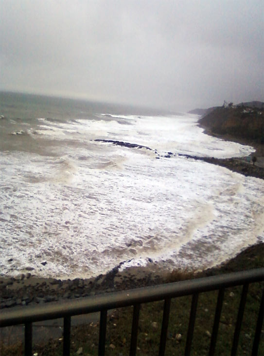 An ABC7 viewer sent in this photo of rough waters in San Pedro on Monday, Dec. 20, 2010.  When You Witness breaking news, or even something extraordinary, send pictures and video to video@myabc7.com, or send them to @abc7 on Twitter <span class=meta>(ABC7 viewer)</span>