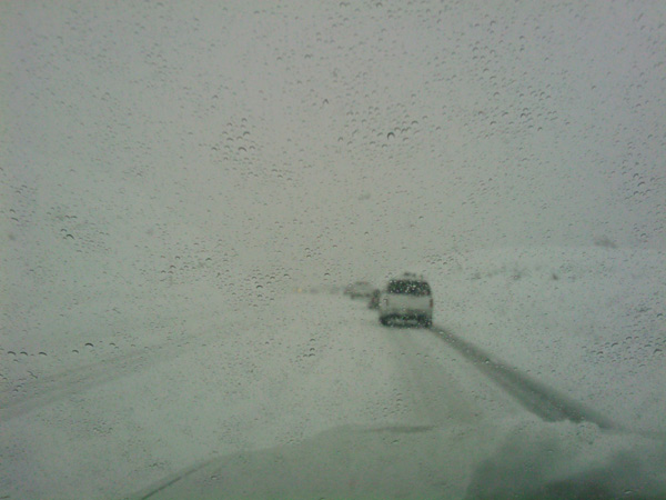 ABC7 viewer Alonso Villela sent in this photo of the drive up to Mammoth Mountain from Los Angeles on Tuesday, Dec. 21, 2010.   When You Witness breaking news, or even something extraordinary, send pictures and video to video@myabc7.com, or send them to @abc7 on Twitter <span class=meta>(ABC7 viewer Alonso Villela)</span>