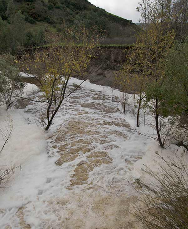 ABC7 viewer Gar Cropser sent in a photo of flooding in Woods Canyon Creek in Aliso Viejo on Wednesday, Dec. 22, 2010.  When You Witness breaking news, or even something extraordinary, send pictures and video to video@myabc7.com, or send them to @abc7 on Twitter <span class=meta>(ABC7 viewer Gar Cropser)</span>