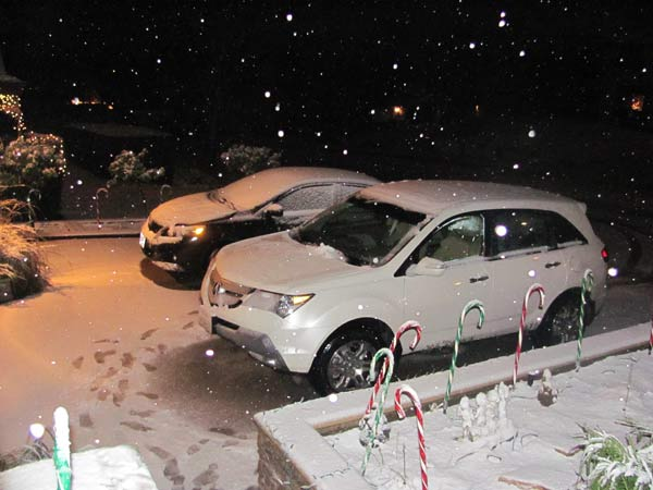 ABC7 viewer Kirin Escher sent in this photo of snow in Santa Clarita, Calif. on Sunday Jan. 2, 2011.  When You Witness breaking news, or even something extraordinary, send pictures and video to video@myabc7.com, or send them to @abc7 on Twitter <span class=meta>(ABC7 viewer Kirin Escher)</span>
