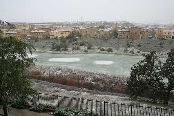 "<div class=""meta ""><span class=""caption-text "">ABC7 viewer Erin Bassett sent in this photo of snow in Valencia, Calif. on Sunday Jan. 2, 2011.  When You Witness breaking news, or even something extraordinary, send pictures and video to video@myabc7.com, or send them to @abc7 on Twitter (ABC7 viewer Erin Bassett)</span></div>"