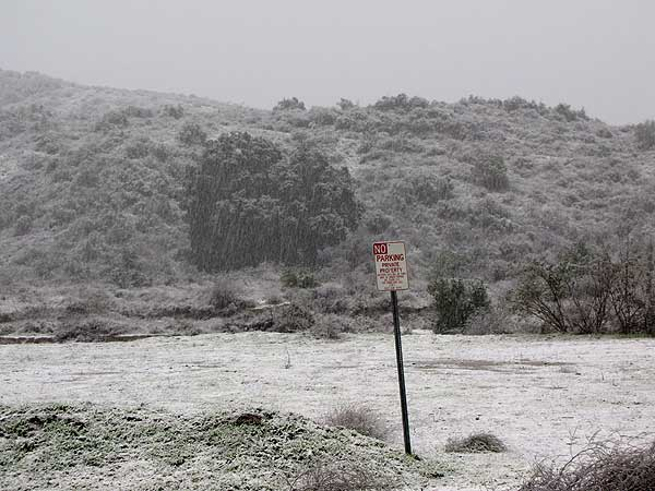 ABC7 viewer Kristie Dice sent in this photo of snow in Castaic, Calif. on Sunday Jan. 2, 2011.  When You Witness breaking news, or even something extraordinary, send pictures and video to video@myabc7.com, or send them to @abc7 on Twitter <span class=meta>(ABC7 viewer Kristie Dice)</span>
