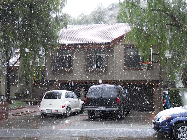 ABC7 viewer Teri Stuart sent in this photo of snow in Newhall, Calif. on Sunday Jan. 2, 2011.  When You Witness breaking news, or even something extraordinary, send pictures and video to video@myabc7.com, or send them to @abc7 on Twitter <span class=meta>(ABC7 viewer Teri Stuart)</span>