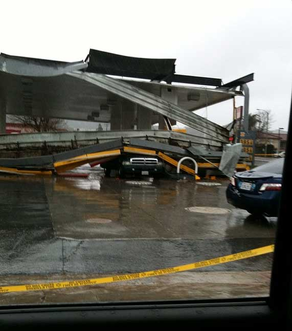 ABC7 viewer Cheryl Hayes sent in this photo of a roof collapse at a gas station in Castaic, Calif., on Sunday March 20, 2011.  When You Witness breaking news, or even something extraordinary, send pictures and video to video@myabc7.com, or send them to @abc7 on Twitter <span class=meta>(KABC photo &#47; Cheryl Hayes)</span>