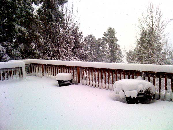 ABC7 viewer Elliott Reyna sent in this photo of snow in Frazier Park, Calif. on Sunday March 20, 2011.  When You Witness breaking news, or even something extraordinary, send pictures and video to video@myabc7.com, or send them to @abc7 on Twitter  <span class=meta>(KABC photo&#47; Elliott Reyna)</span>