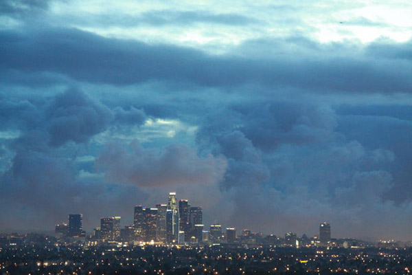 "<div class=""meta ""><span class=""caption-text "">ABC7 viewer Willie Jordan sent in this photo of storm clouds in Los Angeles on Monday March 21, 2011.  When You Witness breaking news, or even something extraordinary, send pictures and video to video@myabc7.com, or send them to @abc7 on Twitter  (KABC photo/ Willie Jordan)</span></div>"