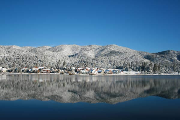 ABC7 viewer Ann Smith sent in this photo of snow at Baker Pond in Big Bear Lake, Calif. on Saturday Nov. 5, 2011.  When You Witness breaking news, or even something extraordinary, send pictures and video to video@myabc7.com, or send them to @abc7 on Twitter <span class=meta>(KABC photo&#47;  Ann Smith)</span>
