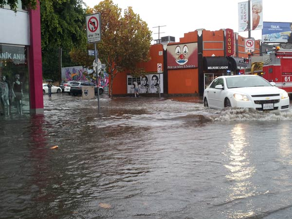 "<div class=""meta ""><span class=""caption-text "">ABC7 viewer Ami sent in this photo of rain flooding the 7000 block of Melrose Avenue in Los Angeles, Calif. on Sunday Nov. 20, 2011.  When You Witness breaking news, or even something extraordinary, send pictures and video to video@myabc7.com, or send them to @abc7 on Twitter (KABC photo/  Ami)</span></div>"