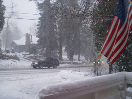 ABC7 viewer Dawn Fischle took this photo of heavy snow in the San Bernardino Mountains on Thursday, Dec. 15, 2011. &#160;When you witness breaking news happen, send your photos to video@myabc7.com, or send them to @abc7 on Twitter <span class=meta>(KABC Photo&#47; ABC7 viewer Dawn Fischle)</span>