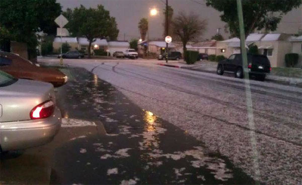 ABC7 viewer Damian Renteria took this photo of the wild weather in Paramount, Calif., on Thursday, Dec. 15, 2011. When you witness breaking news happen, send your photos to video@myabc7.com, or send them to @abc7 on Twitter <span class=meta>(KABC Photo&#47; ABC7 viewer Damian Renteria)</span>