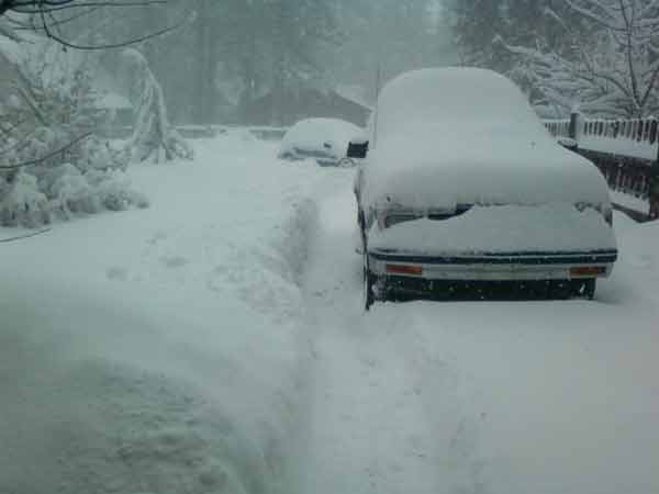 ABC7 viewer Bobby Gerard sent in this photo of snow in Big Bear Lake after a storm passed over Southern California on Sunday March, 18, 2012.  When You Witness breaking news, or even something extraordinary, send pictures and video to video@myabc7.com, or send them to @abc7 on Twitter or our ABC7 Facebook page. <span class=meta>(ABC7 viewer Bobby Gerard)</span>