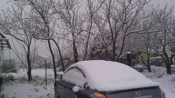 "<div class=""meta image-caption""><div class=""origin-logo origin-image ""><span></span></div><span class=""caption-text"">ABC7 viewer Scott Hemesath sent in this photo of snow in Hemet, Calif. after a storm passed over Southern California on Sunday March, 18, 2012.  When You Witness breaking news, or even something extraordinary, send pictures and video to video@myabc7.com, or send them to @abc7 on Twitter or our ABC7 Facebook page. (ABC7 viewer Scott Hemesath)</span></div>"