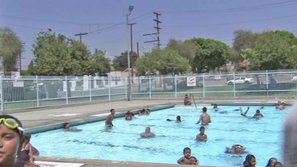 Angelenos beat heat at pools, cooling centers