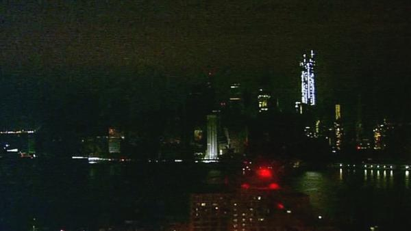 Sandy aftermath: NY slowly regaining power