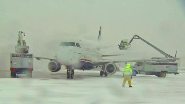 East Coast snow storm delays, cancels flights