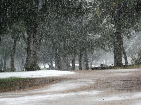"<div class=""meta image-caption""><div class=""origin-logo origin-image ""><span></span></div><span class=""caption-text"">ABC7 viewer Sandra Wojecki sent us this photo via Facebook of snow in Cherry Valley, Calif. during a storm that hit Southern California on Friday, Feb. 8, 2013.  When You Witness breaking news, or even something extraordinary, send pictures and video to video@abc7.com, or post them to the ABC7 Facebook page or to @abc7 on Twitter  (ABC7 viewer Sandra Wojecki)</span></div>"