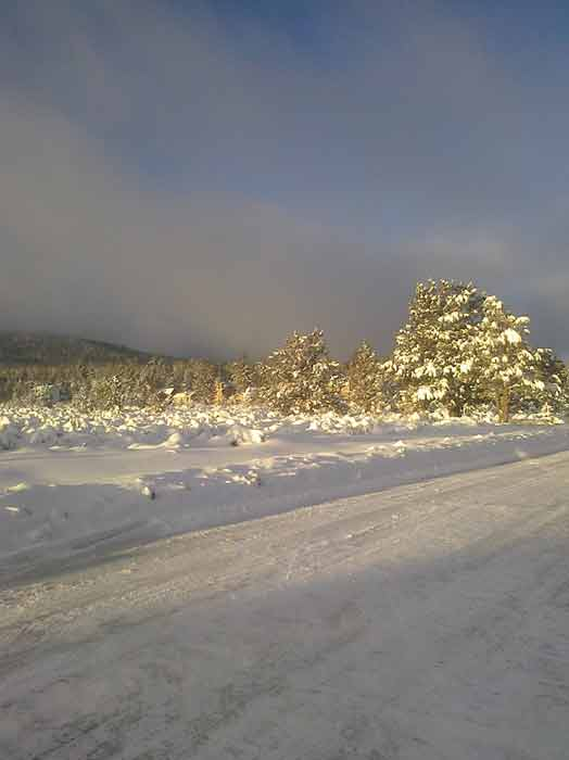 "<div class=""meta image-caption""><div class=""origin-logo origin-image ""><span></span></div><span class=""caption-text"">ABC7 viewer Marshall Richter sent in this photo of snow in Big Bear City, Calif. on Sunday, Feb. 20, 2011.  When You Witness breaking news, or even something extraordinary, send pictures and video to video@myabc7.com, or send them to @abc7 on Twitter (KABC photo/Marshall Richter)</span></div>"