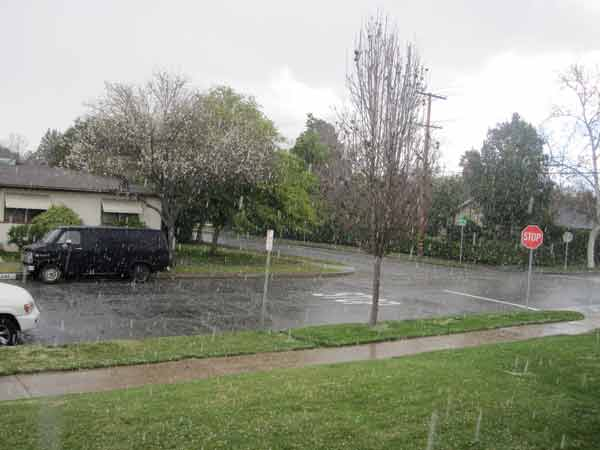 "<div class=""meta ""><span class=""caption-text "">ABC7 viewer James Barcelona sent in this photo of snow at Burbank, Calif. on Saturday Feb. 26, 2011.  When You Witness breaking news, or even something extraordinary, send pictures and video to video@myabc7.com, or send them to @abc7 on Twitter (KABC photo/ James Barcelona)</span></div>"