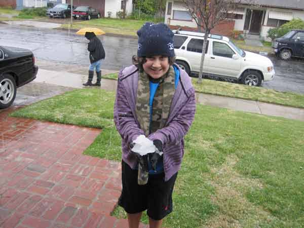 "<div class=""meta image-caption""><div class=""origin-logo origin-image ""><span></span></div><span class=""caption-text"">ABC7 viewer James Barcelona sent in this photo of snow at Burbank, Calif. on Saturday Feb. 26, 2011.  When You Witness breaking news, or even something extraordinary, send pictures and video to video@myabc7.com, or send them to @abc7 on Twitter (KABC photo/ James Barcelona)</span></div>"