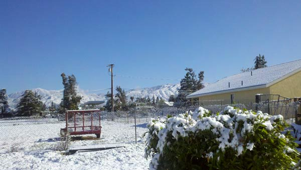 "<div class=""meta ""><span class=""caption-text "">ABC7 viewer Jason sent in this photo of snow in Yucaipa, Calif. on Saturday April 9, 2011.  When You Witness breaking news, or even something extraordinary, send pictures and video to video@myabc7.com, or send them to @abc7 on Twitter  (KABC photo/ Jason)</span></div>"