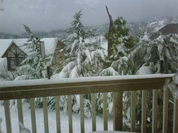 ABC7 viewer Jill Farino sent in this photo of snow at Lake Arrowhead, Calif. on Saturday Feb. 26, 2011.  When You Witness breaking news, or even something extraordinary, send pictures and video to video@myabc7.com, or send them to @abc7 on Twitter <span class=meta>(KABC photo&#47; Jill Farino)</span>