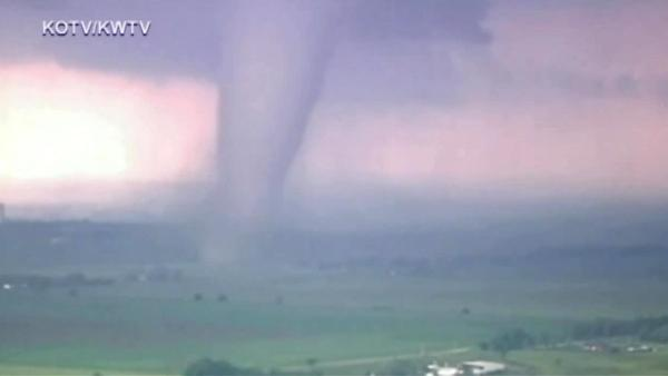 Monstrous tornado touches down in Oklahoma