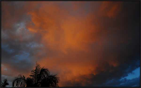 ABC7 viewer Terry Lucas sent in this photo of clouds at Lakewood, Calif. on Friday Sept. 30, 2011.  When You Witness breaking news, or even something extraordinary, send pictures and video to video@myabc7.com, or send them to @abc7 on Twitter <span class=meta>(KABC photo&#47; Terry Lucas)</span>