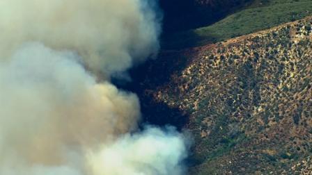 Cajon Pass brush fires destroy 1 home, 350 acres | abc7.com