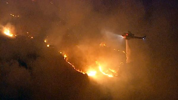 Crews battle Rancho Palos Verdes brush fire