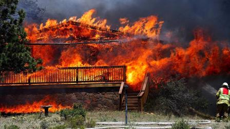 Colorado wildfire grows; thousands evacuated | abc7.