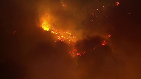 AIR7 HD captured this aerial view of a wildfire burning in Camarillo on Thursd