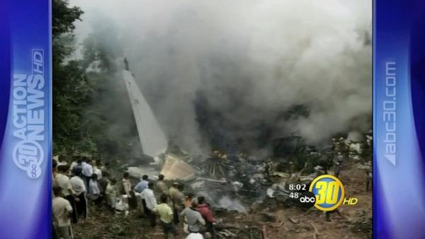 India plane with 166 on board crashes; 8 survive