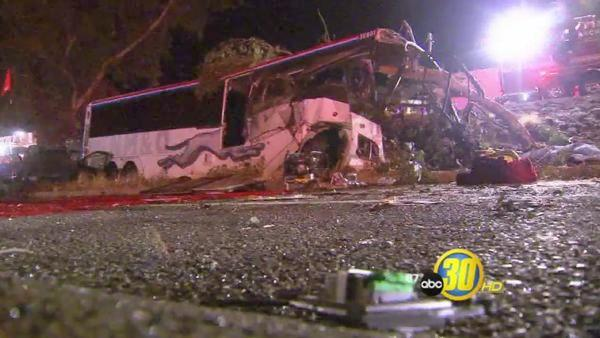 Greyhound bus crash in Fresno | Witness barely avoided crash