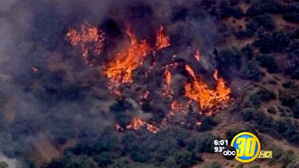 Kern County fires burn homes, 17,000+ acres