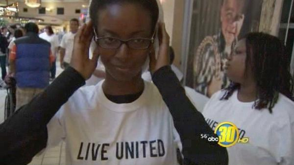 United Way flash mob at Sierra Vista Mall