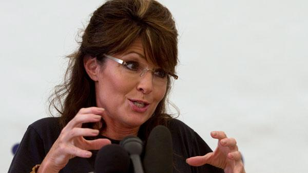 Sarah Palin heads West Hills College in Lemoore